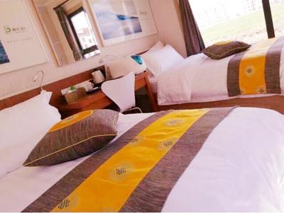 蜂芝侣舒适双床房
